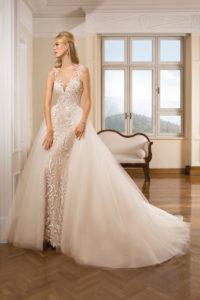 Suknia ślubna z kolekcji Cosmobella 7868