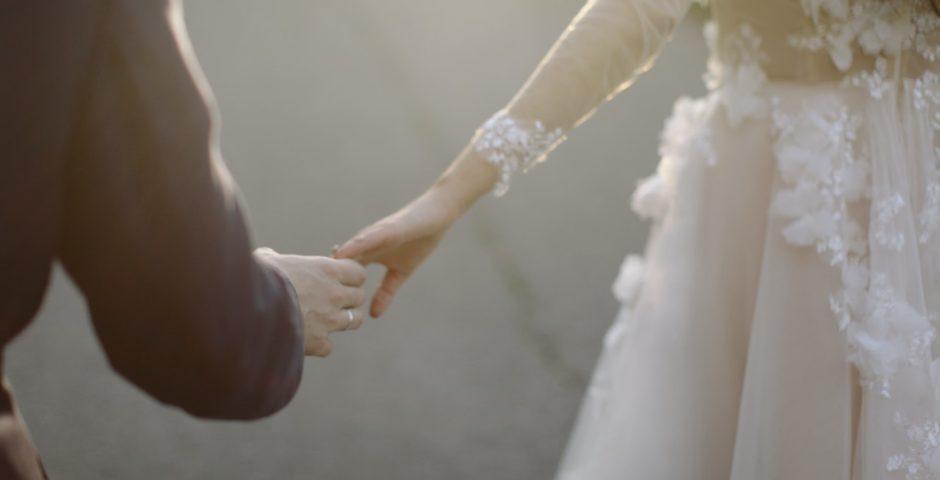 Na co zwrócić uwagę przy zakupie sukni ślubnej? blog salonu ślubnego Eleni Dress
